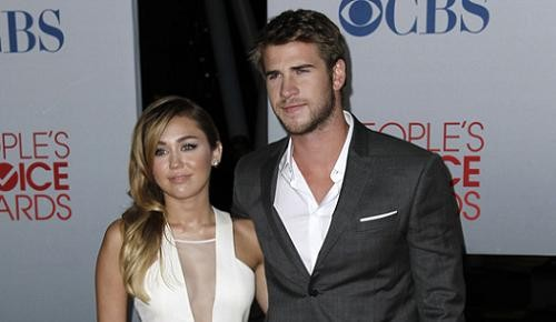 Miley-Cyrus-Liam-Hemsworth.jpg