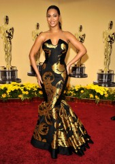 Beyoncé - red carpet Oscar.jpg