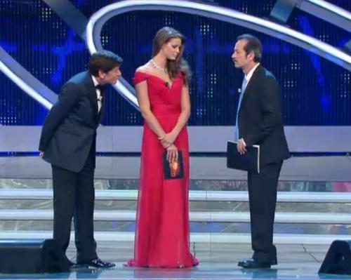 ivana-mrazova-sanremo-2012-abito-rosso-terza-serata.png