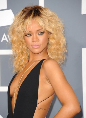 Rihanna, Chris Brown, insieme, Birthday Cake, single, singolo, featuring, collaborazione, 2012, remix, Talk that Talk, album, cd, itunes, musica