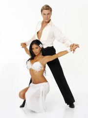 Nicole-Scherzinger-Derek-Hough-Dancing-With-the-Stars.jpg