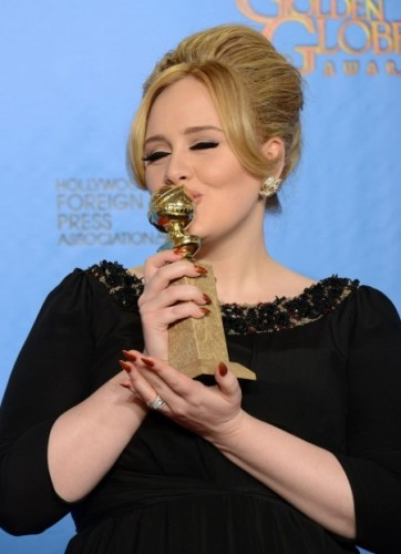 adele-golden-globes-ward-1515701972.jpg