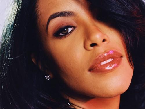 aaliyah-face_1920x1440_23587.jpg